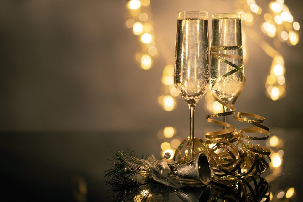 close-up-of-two-flute-glasses-filled-with-sparkling-wine